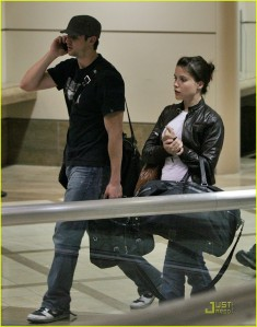 sophia-bush-james-lafferty-couple-01